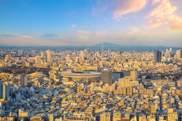 Blick von oben auf die skyline von tokio in japan. blick von oben auf die skyline von tokio bei sonnenuntergang blick von oben auf die skyline von tokio bei sonnenuntergang blick von oben auf die skyline von tokio bei sonnenuntergang blick von oben auf die skyline von tokio bei sonnenuntergang in japan