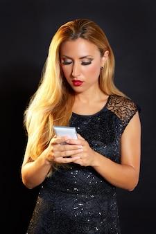 Blonde mode frau smartphone