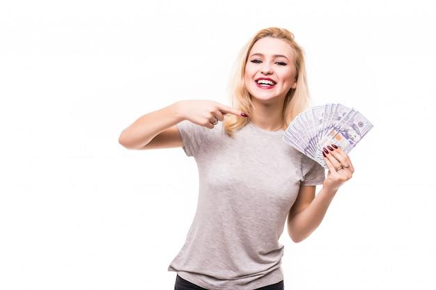 Blondie mit einem geldfan zeigt dir, wie reich sie ist