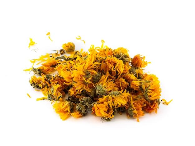 Blüten und blütenblätter trockener ringelblumen.