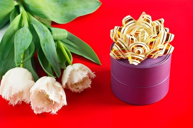 Blumen 8. märz frauentag. glückwunsch