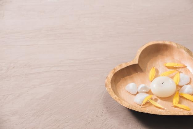 Blumen für spa spa zusammensetzung mit gänseblümchen blumen