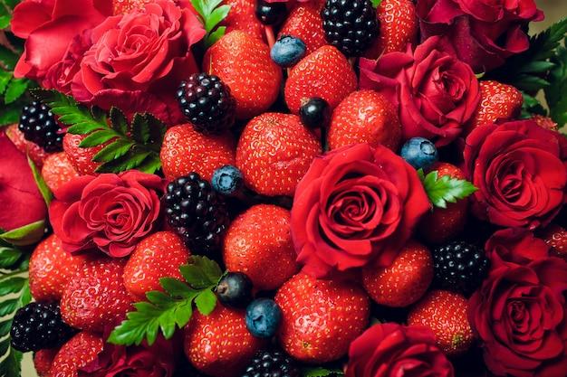 Blumen und frische zitrusfrüchte