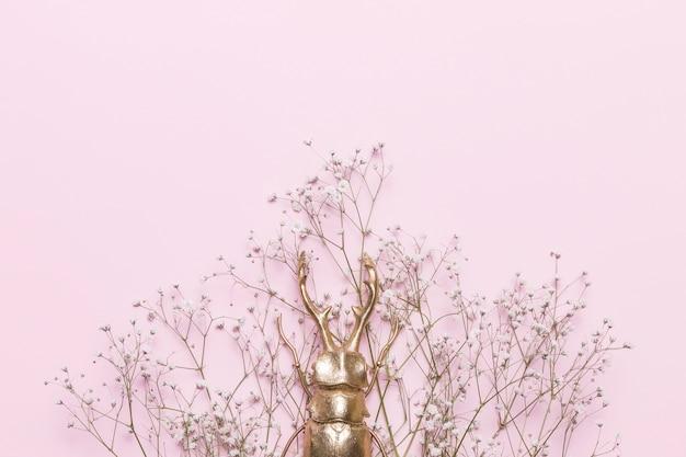 Blumen und käfer