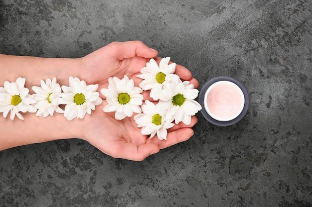 Blumen und sahne