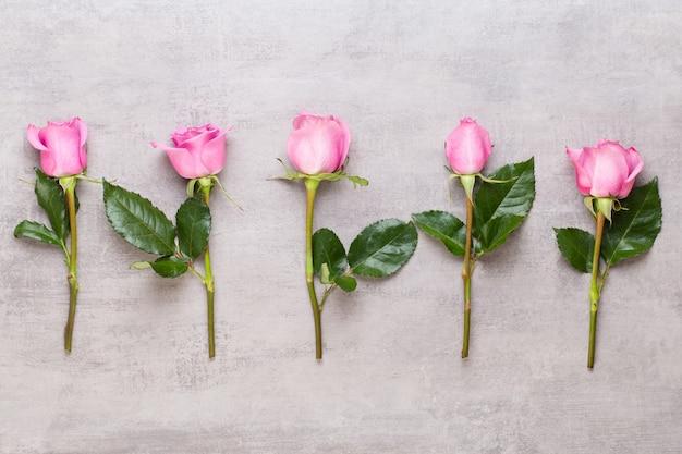 Blumen valentinstag zusammensetzung.