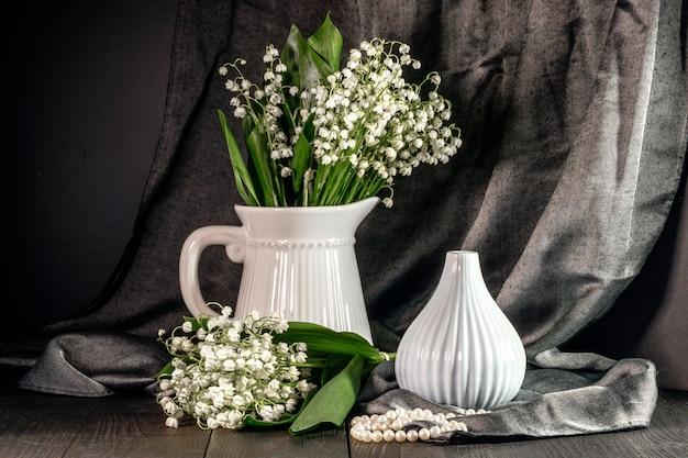 Blumen von maiglöckchen - geschenk für liebhaber