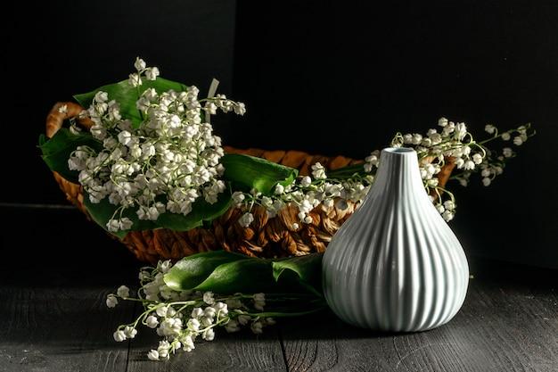 Blumen von maiglöckchensträußen