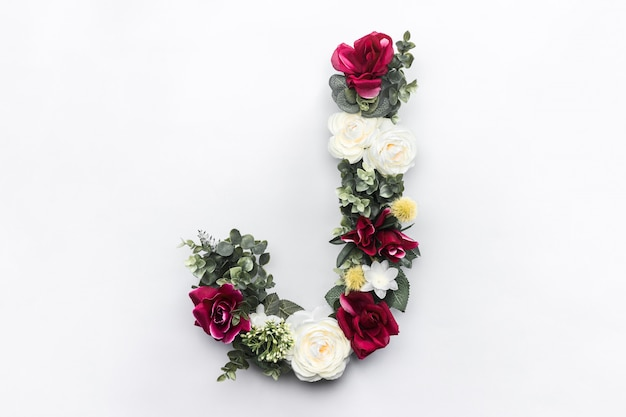 Blumenbuchstabe j blumenmonogramm kostenloses foto