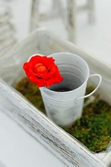 Blumenkomposition im restaurant