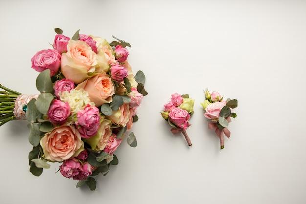 Blumensträuße für braut und brautjungfern