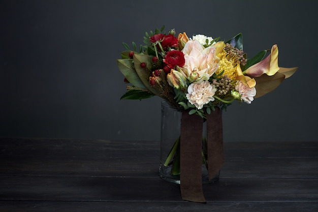Blumenstrauß auf einer vase