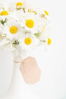 Blumenstrauß aus gänseblümchen.