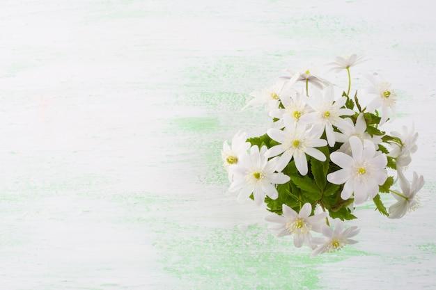 Blumenstrauß der weißen blumen