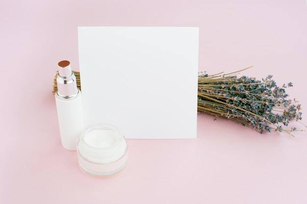 Blumenstrauß des lavendelblumen-spa-konzepts