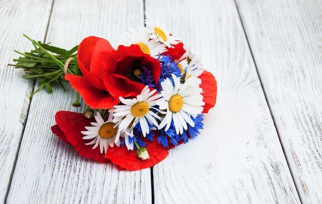 Blumenstrauß von sommerwildblumen