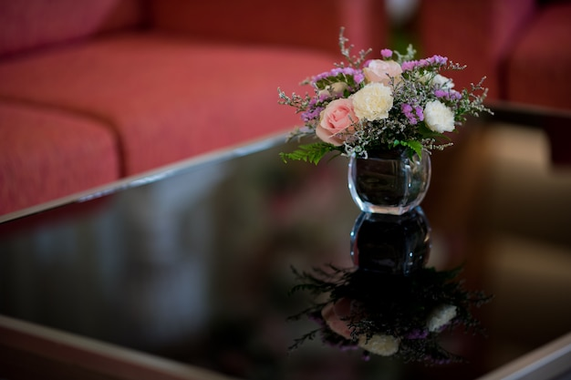 Blumenvase, rosafarbene blume