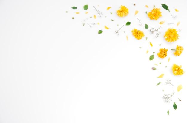 Blumenverzierungen