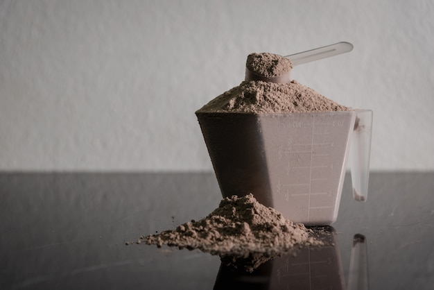 Bodybuilding-produkt aus molkeproteinpulver.