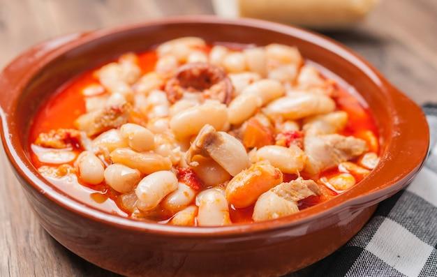 Bohnen potage rioja