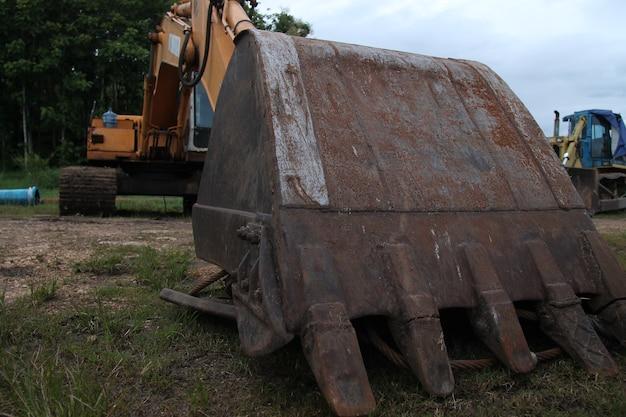 Bohrbagger-maschine am größten, isoliert.