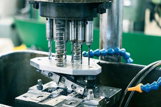 Bohrmaschinen verwenden für bohrstähle, aluminium, holz.