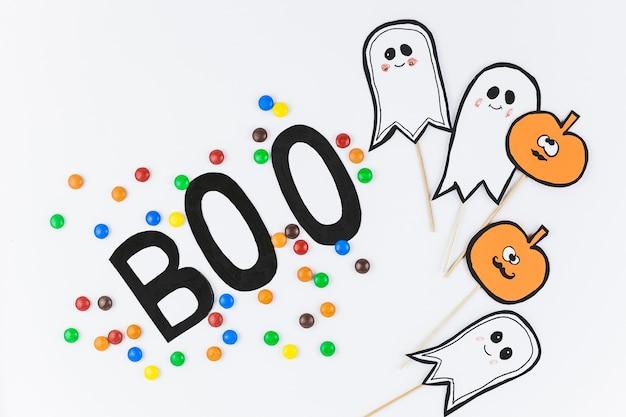 Boo inschrift und dekor für halloween