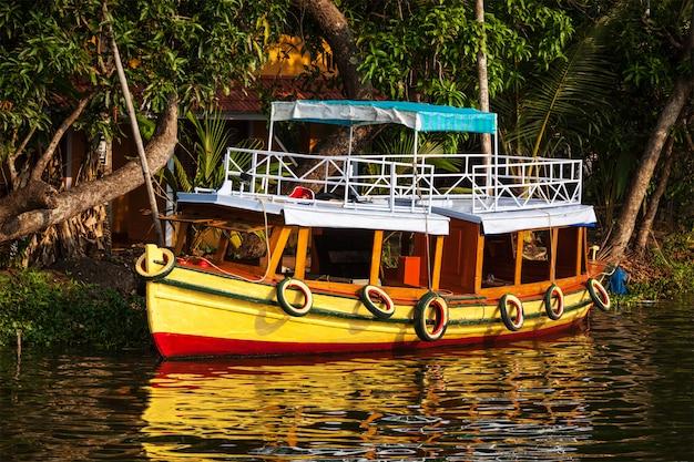 Boot auf kerala backwaters. kerala, indien