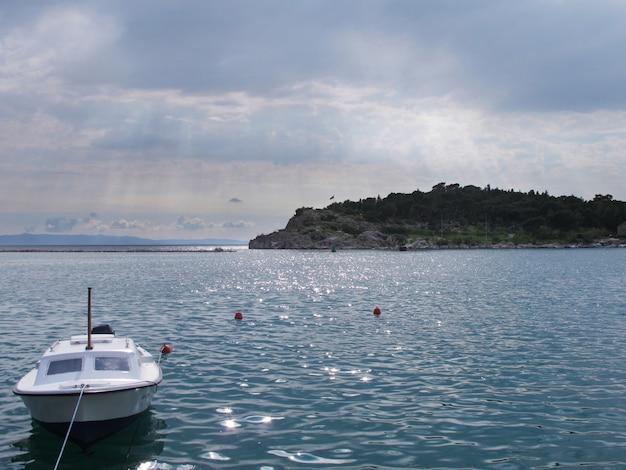 Boot und insel in kroatien