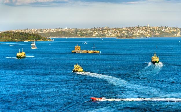 Boote im hafen von sydney - australien, new south wales