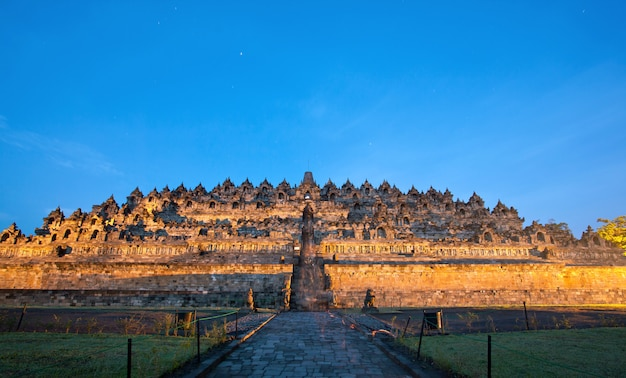 Borobudur sonnenaufgang indonesien