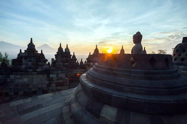 Borobudur tempel dämmerung
