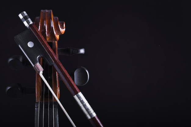 Bow nahes getreide cello