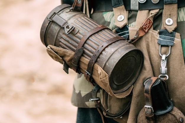 Box für den gasmaskensoldaten wehrmacht