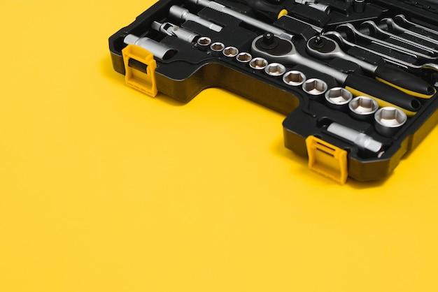 Box mit werkzeugsatz für autoreparatur, nahaufnahme