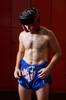 Boxer mit kopfbedeckung