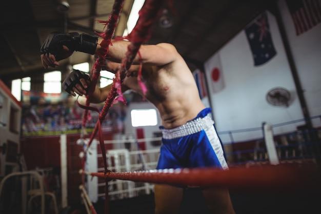 Boxer posiert nach der niederlage