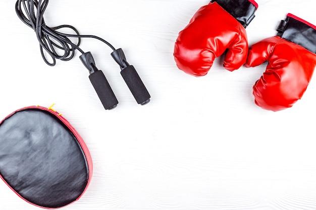 Boxhandschuhe und pfote
