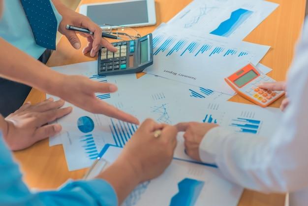 Brainstorming-geschäfts-arbeitsbericht-konzept,