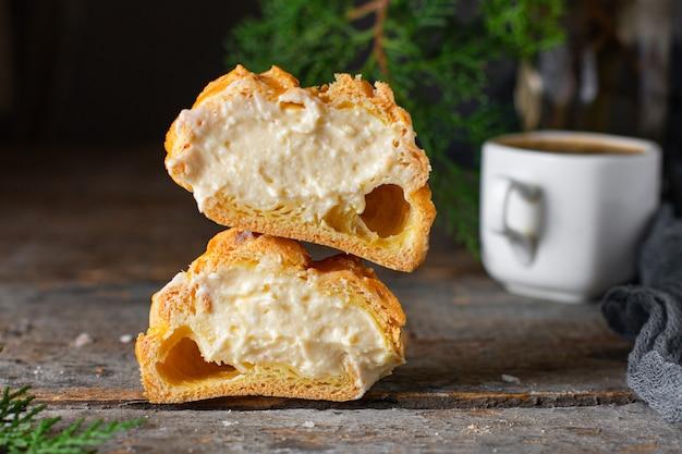 Brandteig cremige füllung mascarpone, vanillecreme hausgebackenen kuchen eclair shu