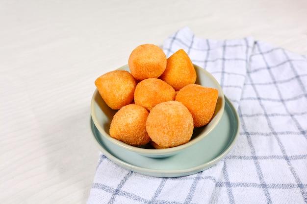 Brasilianischer coxinha-snack, tira gosto, schnellimbiss