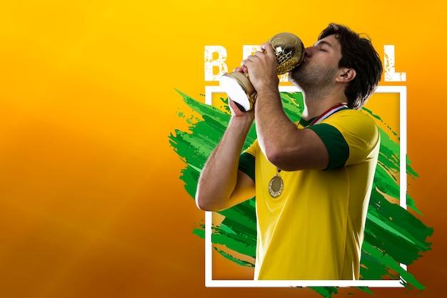 Brasilianischer fußballspieler, der den meistersieg feiert