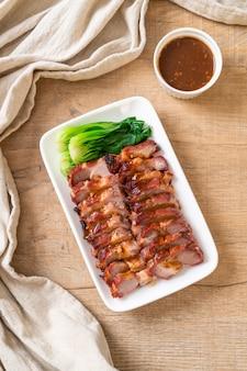 Bratengrill rotes schweinefleisch