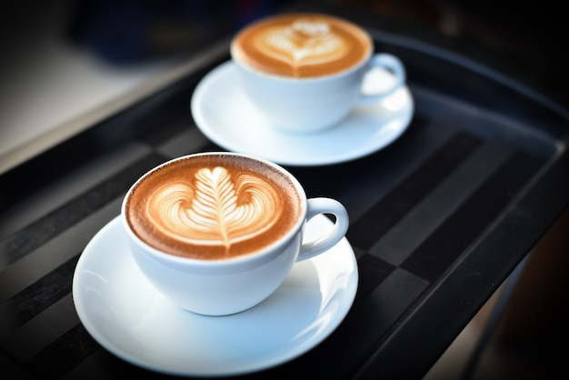 Braun milch kaffee heiß barista