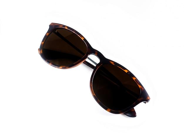 Braune brille im klassischen stil.