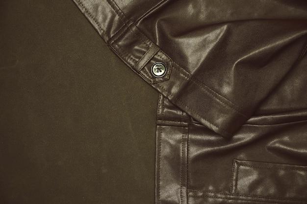 Braune lederjacke und nahtmuster