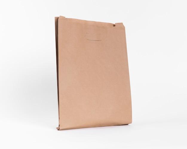 Braune papiertasche zum einkaufen ohne griffe