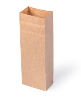 Braune papiertüte lokalisiert auf weiß