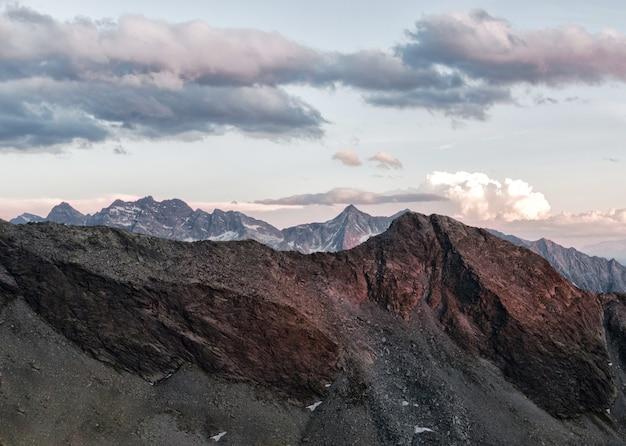 Brauner berg