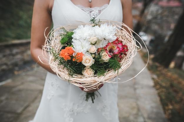 Braut braut halten bouquet